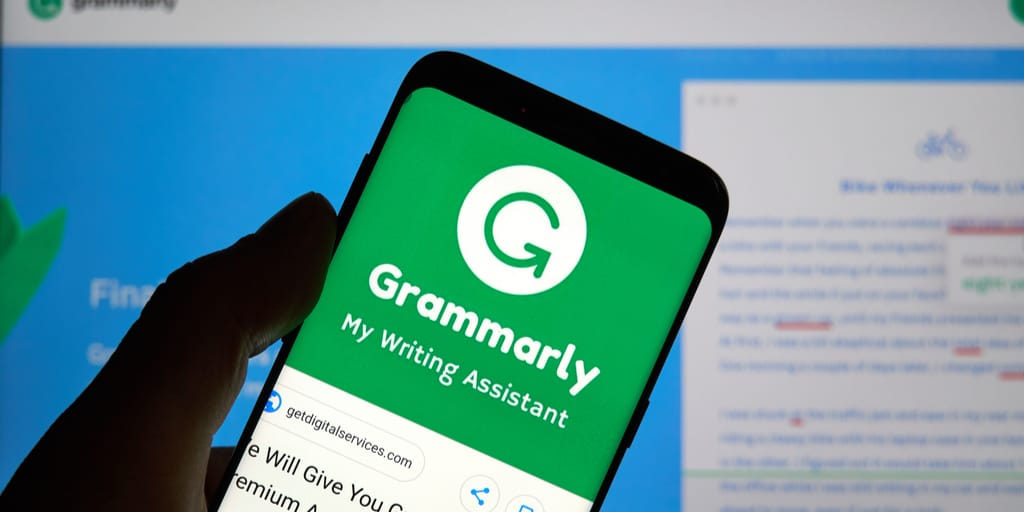 grammarly-tool-to-check-correct-grammar-in-writing